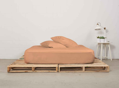 efitted sheet | peach | pallet bed | bedface