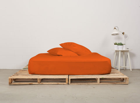 efitted sheet | alarm clock orange | pallet bed | bedface