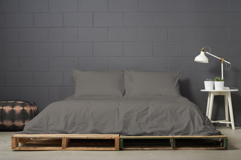 esleep set | dark | pallet bed | bedface