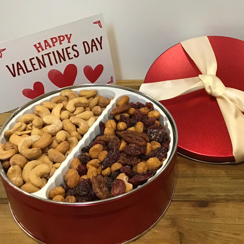 Sweet Red Tin with Cranberry Raisin Delight Mix & Roasted Salted Cashews