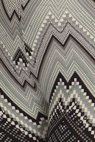 plus size black and white zigzag print leggings