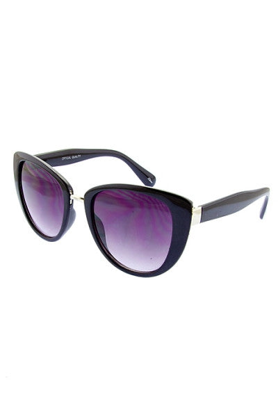 retro inspired sunglasses black frame