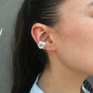White Beaute Inconstante Ear Cuff