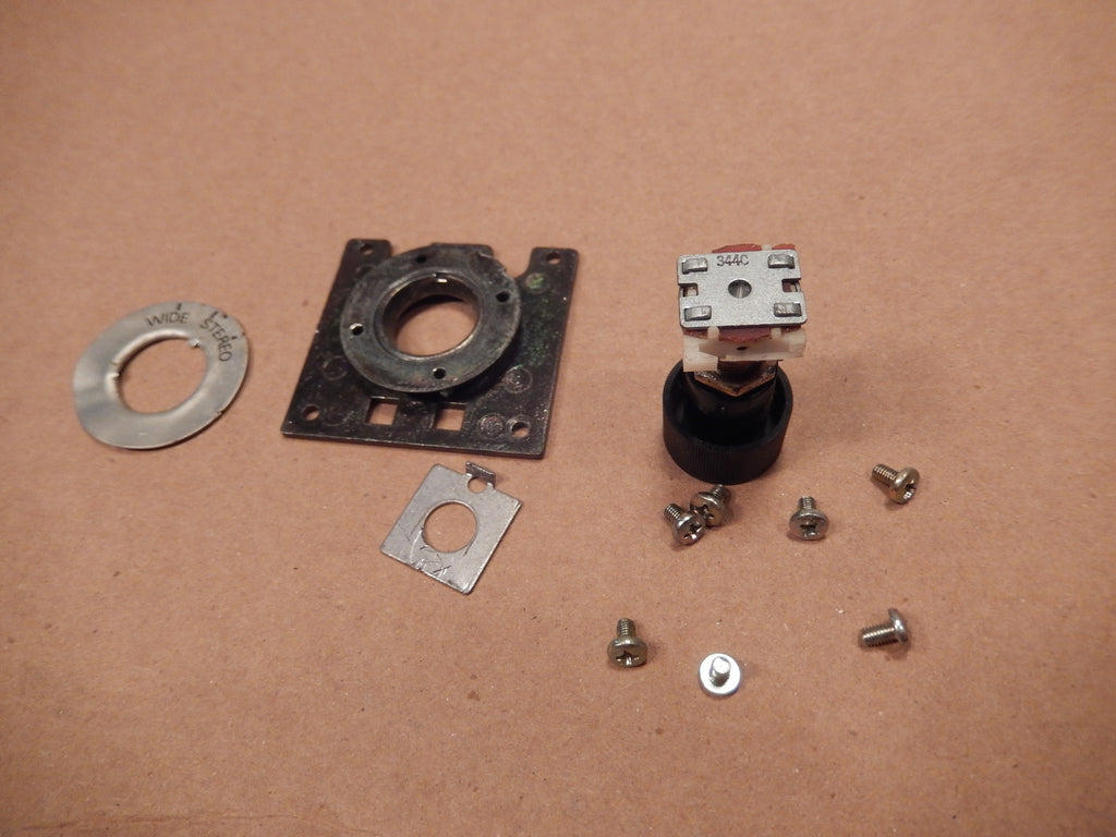 Datsun 280ZX Sound System Balance Switch Assembly