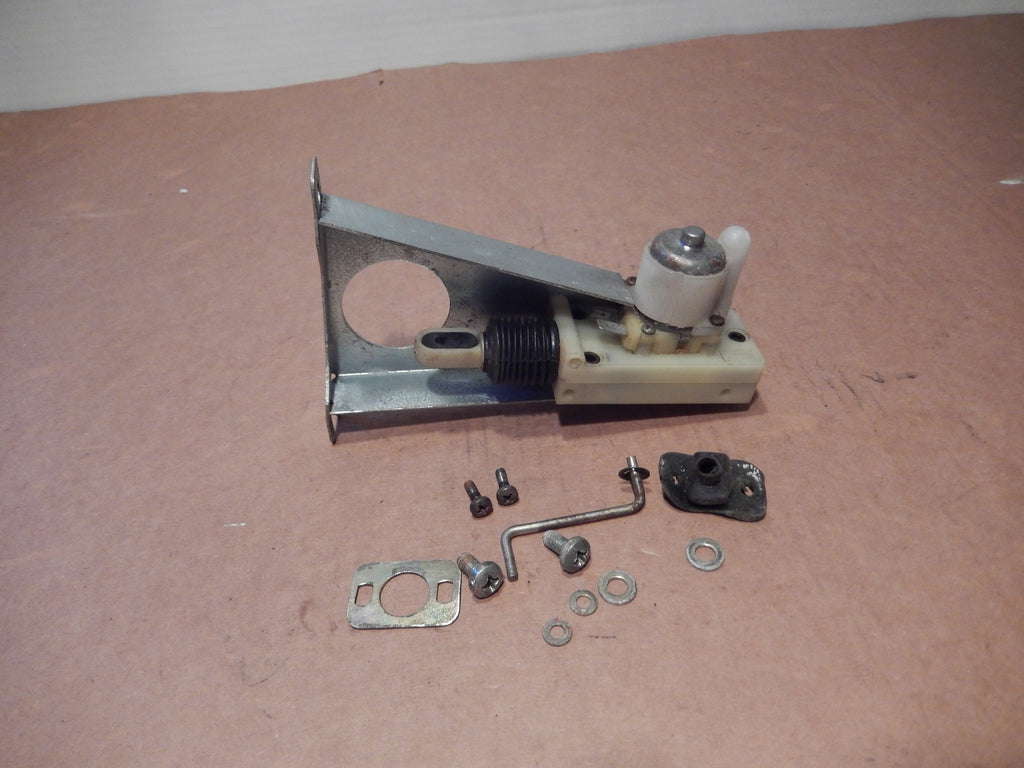 Maserati Biturbo SPYDER Gas Cap Door Release Assembly