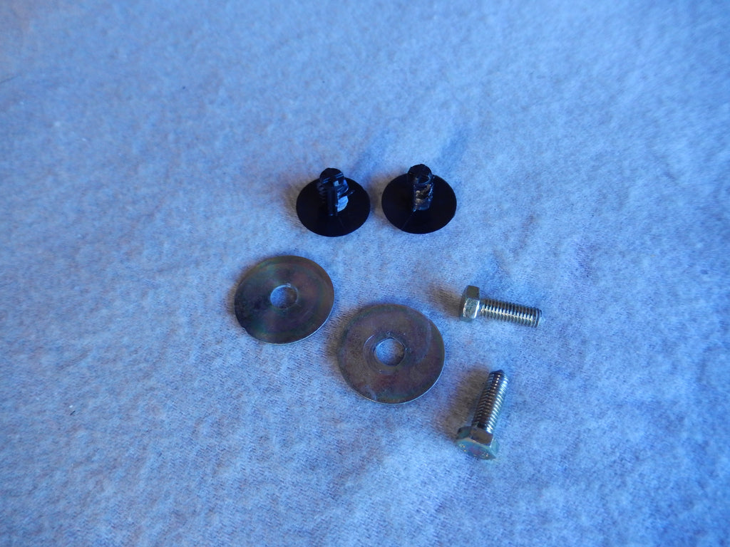 Maserati Quattroporte M-139 04 - 2014 Drivers Side Interior Trunk Panel Fastener Kit