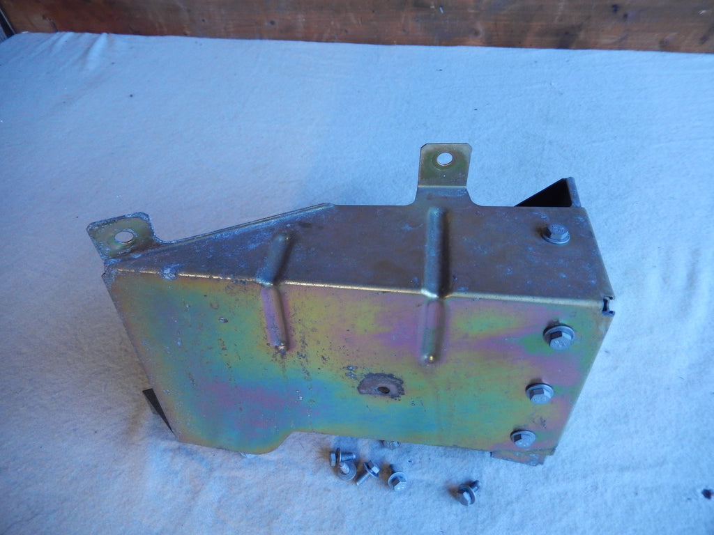 Maserati Quattroporte M-139 Driver Side Leading Rocker Box