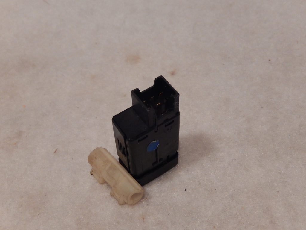 Range Rover P-38 Dashboard Rear Fog Lights Switch