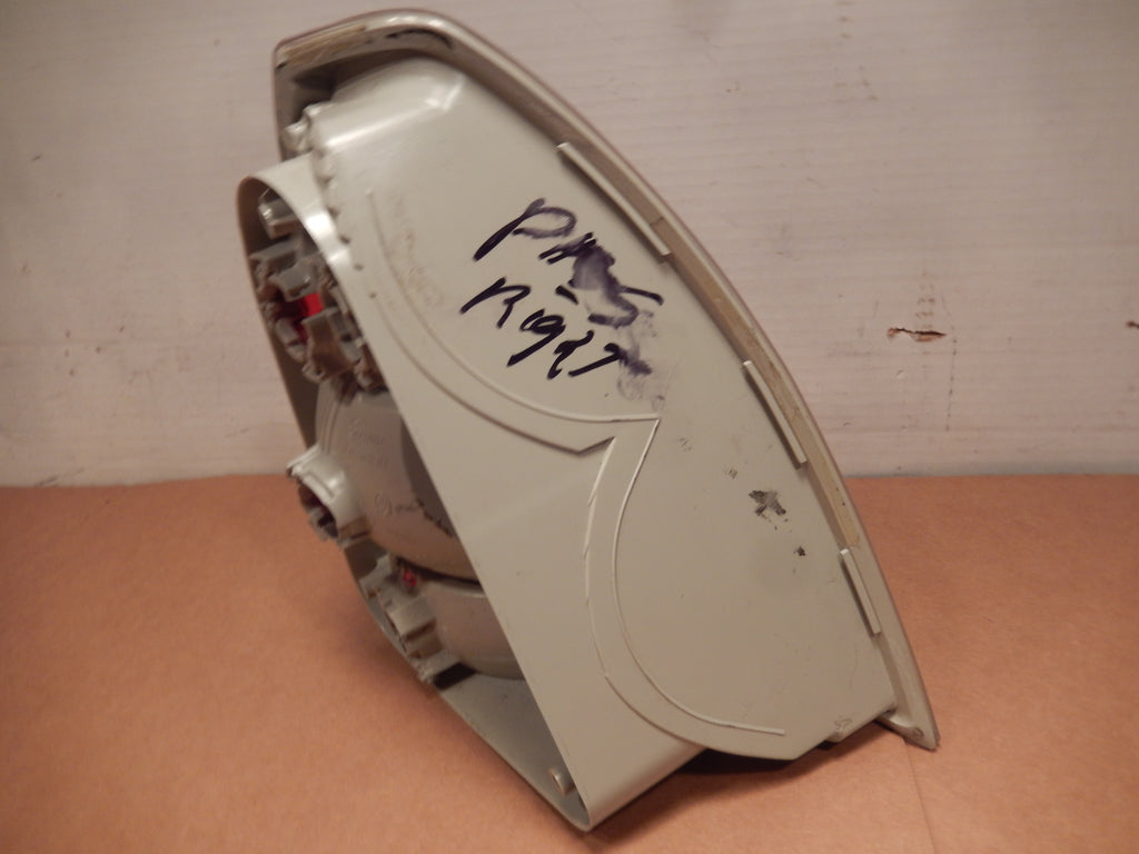 Maserati Quattroporte Passengers Side 05 - 08 Tail Light