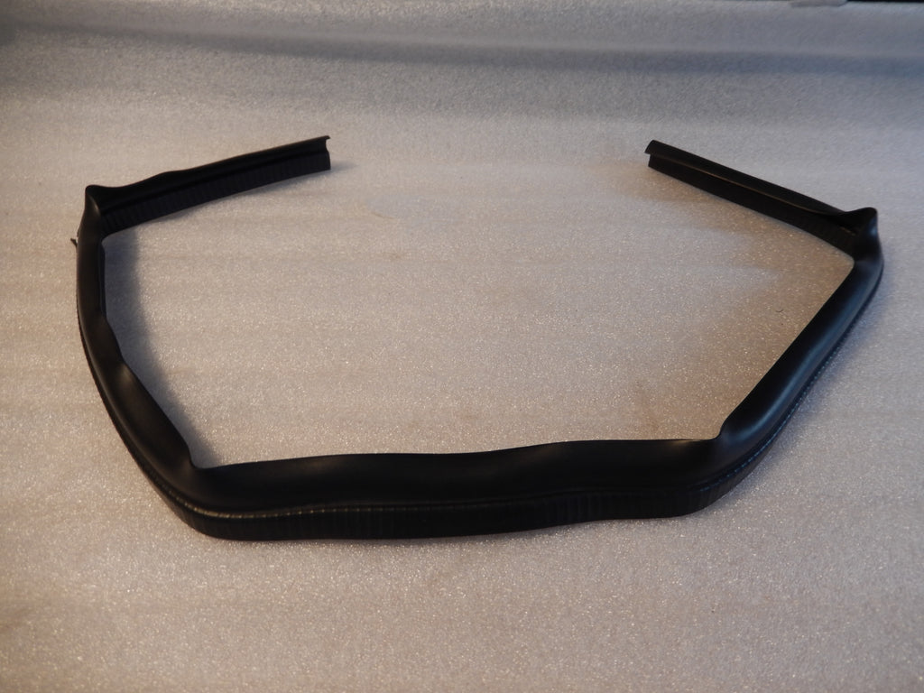 Maserati Quattroporte Front Induction Cowl Seal