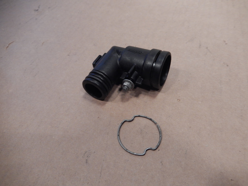 Maserati Quattroporte Engine Oil Tank Breather Hose Elbow