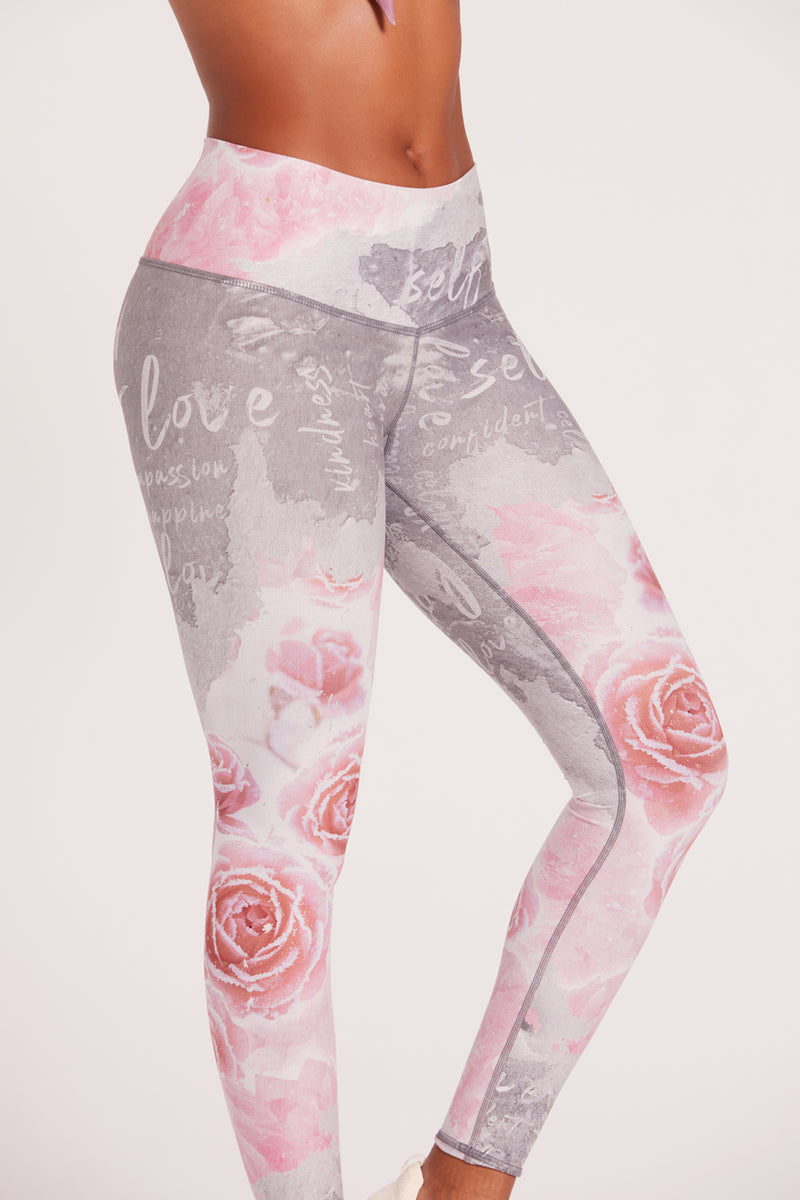 Gratitude Winter Rose Barefoot Legging