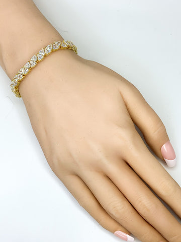 Freya Trillion Cut Statement Tennis Bracelet - 7 inch | 28ct | 18k Gold | Cubic Zirconia - Beloved Sparkles  - 3