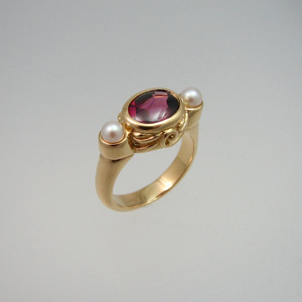 Ravenna Ring,Custom,custom jewelry designer,custom jewelry design, Handmade jewelry, handcrafted, fine jewelry designs, designer goldsmiths, unique jewelry designs, northwest jewelry, northwest jewelry designers, pacific northwest jewelry,