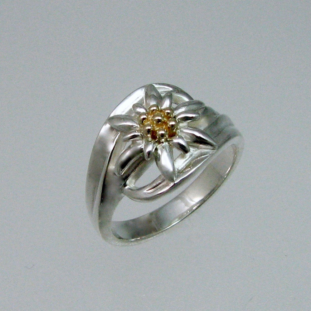Edelweiss Ring w/14K Yellow Center
