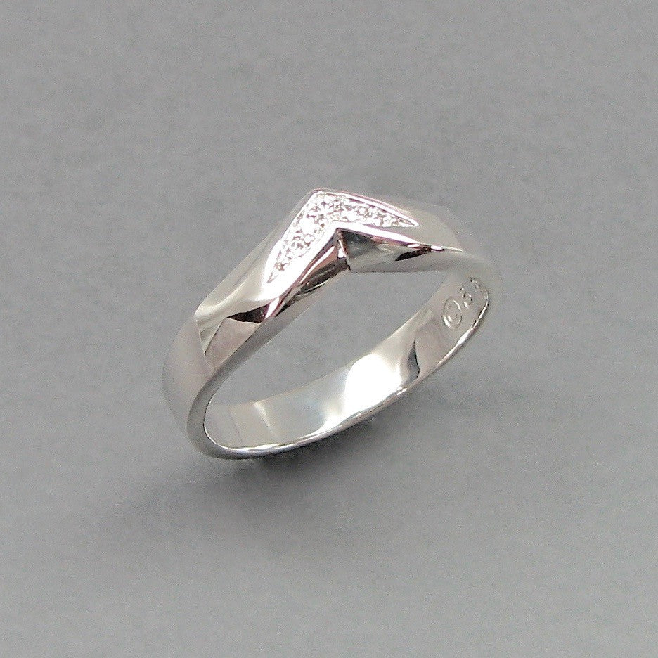 Gent's Arc Wedding Band,Custom,custom jewelry designer,custom jewelry design, Handmade jewelry, handcrafted, fine jewelry designs, designer goldsmiths, unique jewelry designs, northwest jewelry, northwest jewelry designers, pacific northwest jewelry,