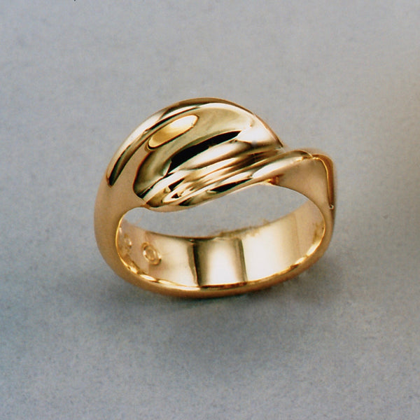 Waves Ladies' Ring,Custom,custom jewelry designer,custom jewelry design, Handmade jewelry, handcrafted, fine jewelry designs, designer goldsmiths, unique jewelry designs, northwest jewelry, northwest jewelry designers, pacific northwest jewelry,