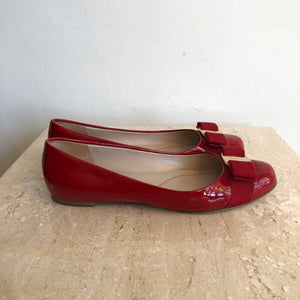 Authentic SALVATORE FERRAGAMO Red Patent Size 6 Shoes