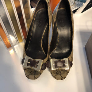 Authentic GUCCI Brown Canvas Silver Bow size 6