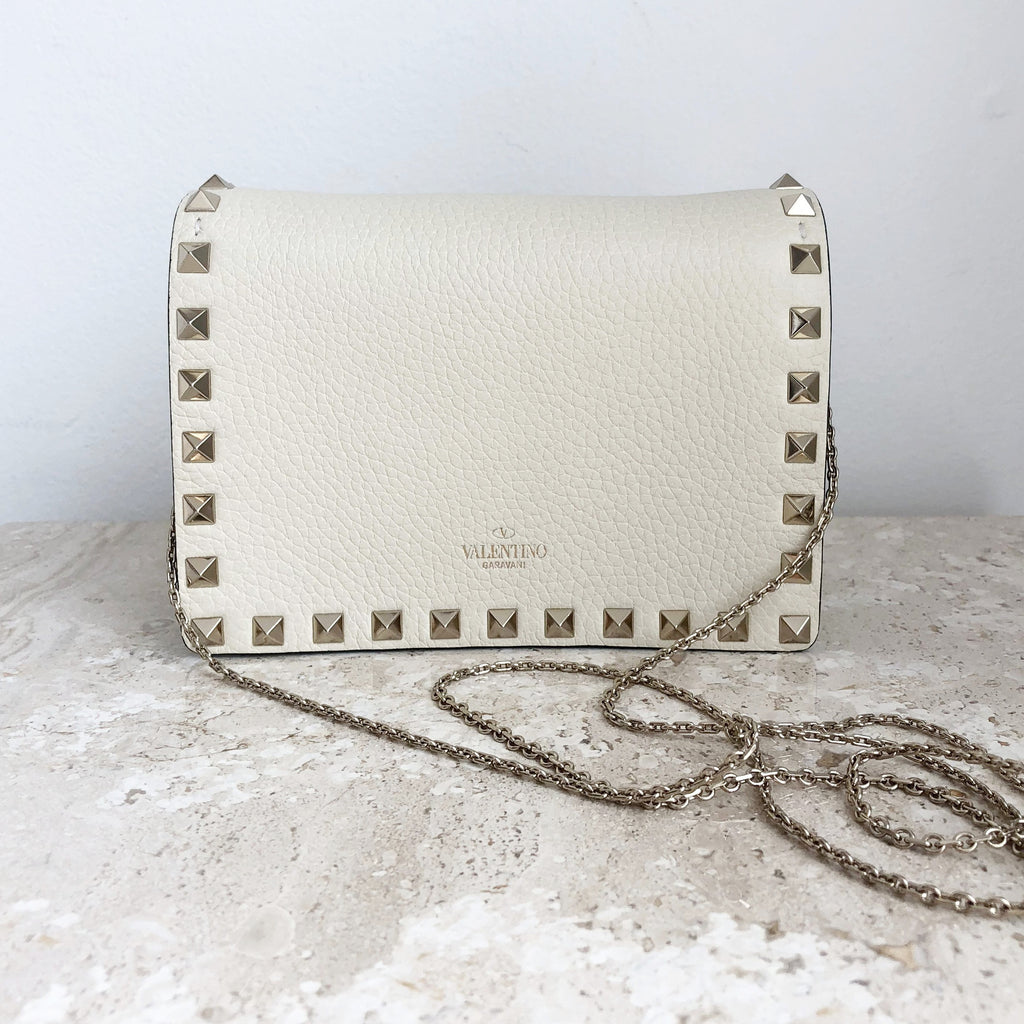 cd2fcd441b04 Authentic VALENTINO Pouch With Chain
