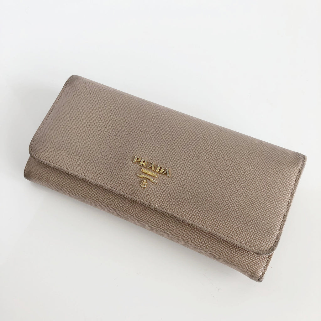 be2b0d929dd Authentic PRADA Saffiano Leather Cammeo Wallet