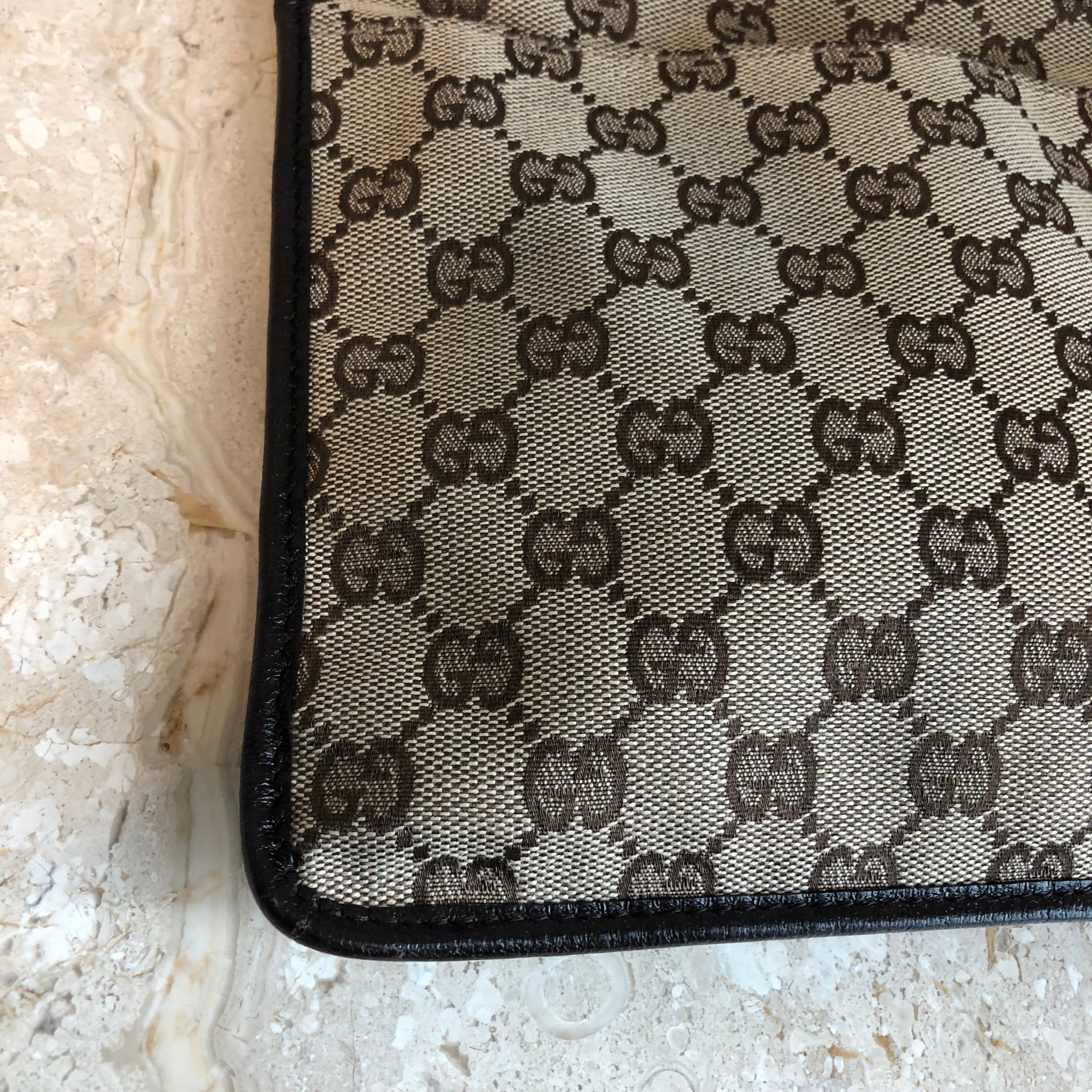Authentic GUCCI Vintage Brown Monogram Crossbody Messenger