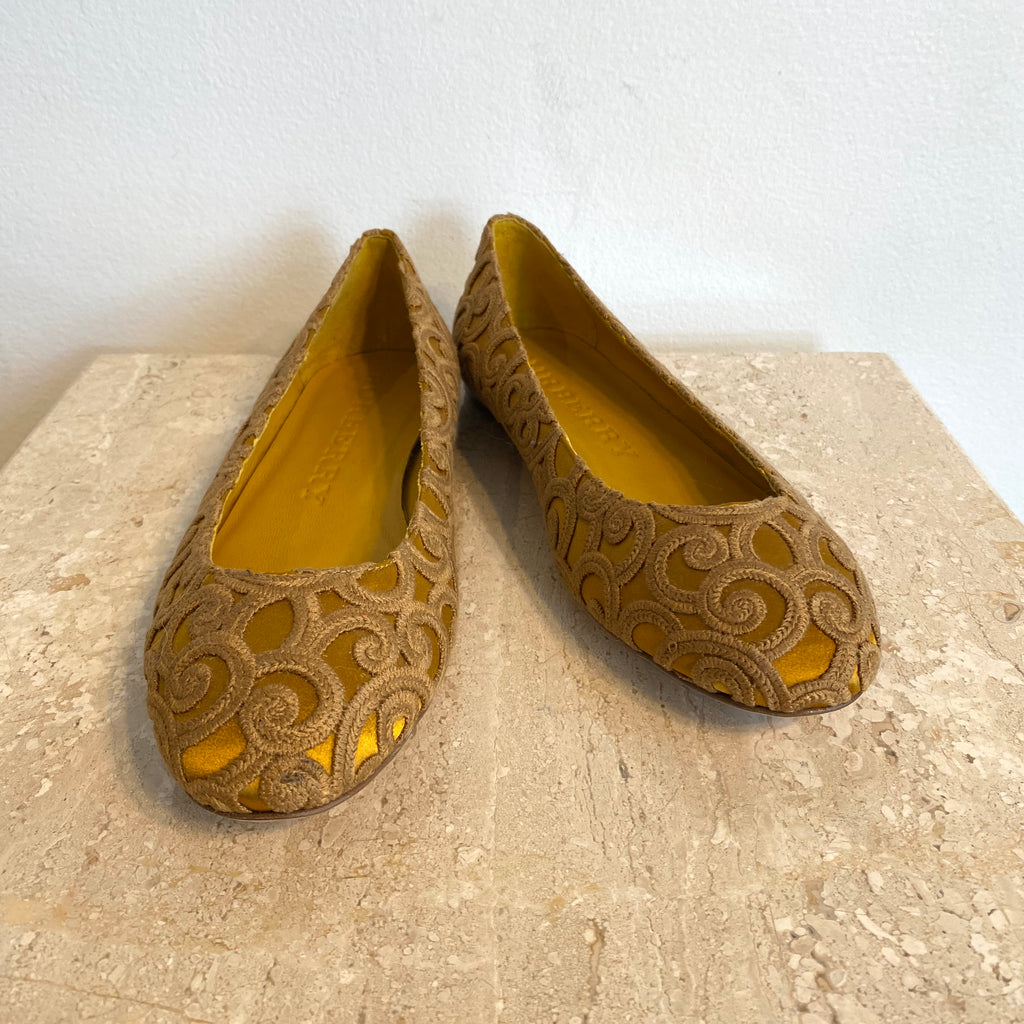 Authentic BURBERRY Gold Embroidered Ballet Flat - 9.5
