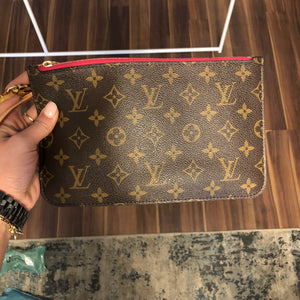 Authentic LOUIS VUITTON NF Wristlet Pivione