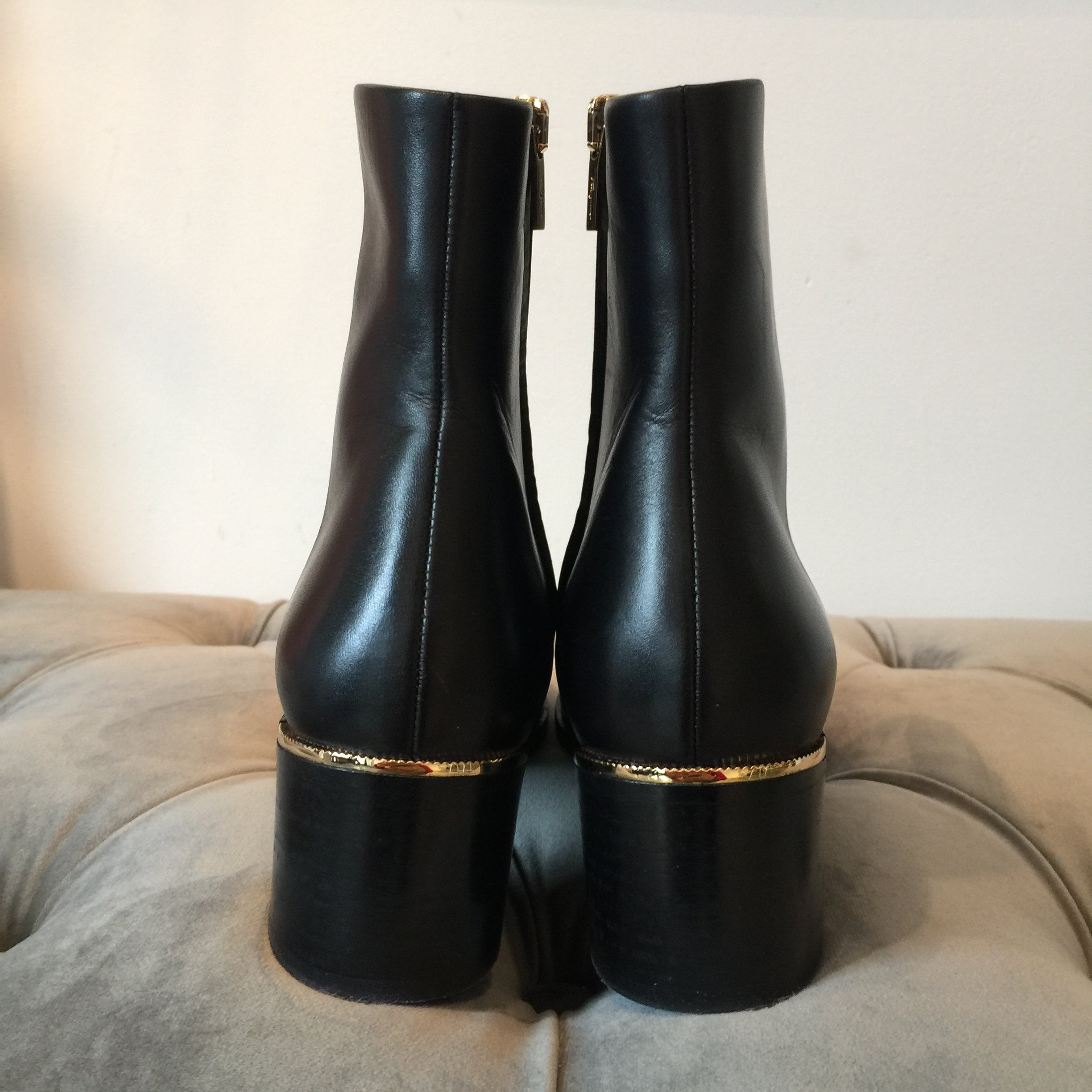 Authentic SALVATORE FERRAGAMO Boots Size 7.5
