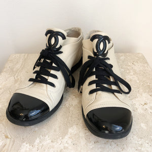 Authentic CHANEL Size 10 Lace Up Shoes