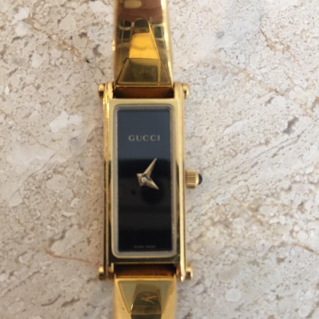 Authentic GUCCI Gold Plated 1500L Womens Bracelet Watch