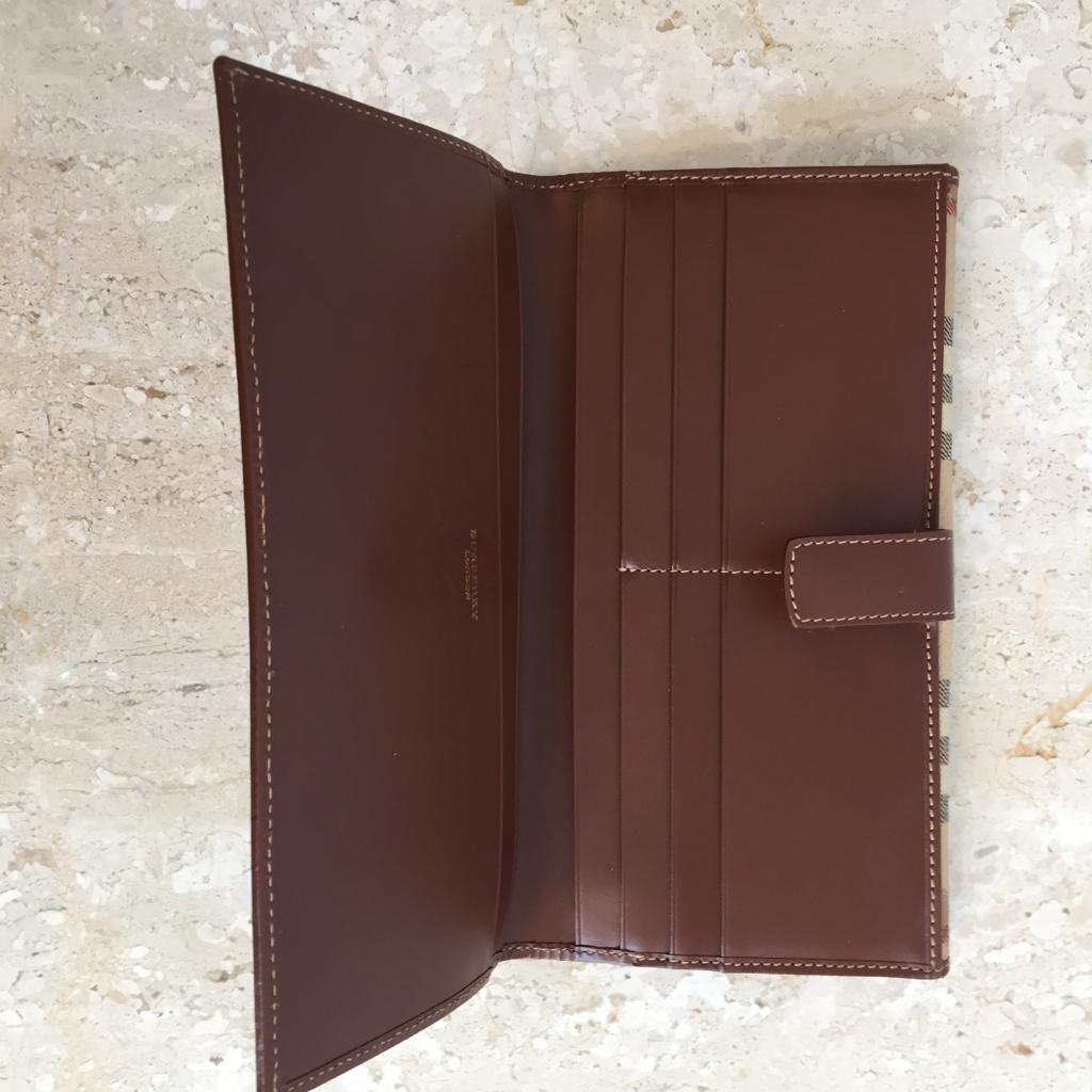 Authentic BURBERRY Haymarket Around Wallet