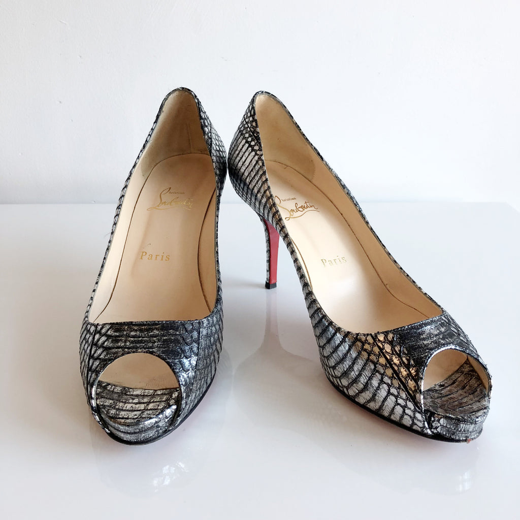 Authentic CHRISTIAN LOUBOUTIN Mater Claude Watersnake Pumps Size 9