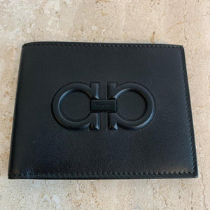 Authentic SALVATORE FERRAGAMO Mens Bi-fold Black Leather Wallet