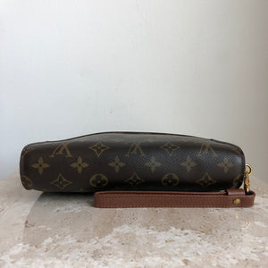 Authentic LOUIS VUITTON Orsay Clutch