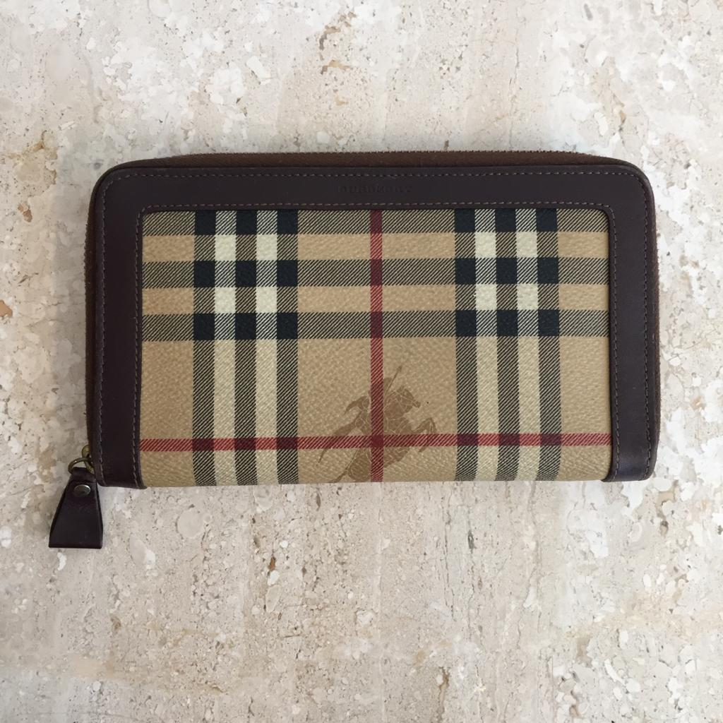 Authentic BURBERRY Haymarket Zip Around Wallet