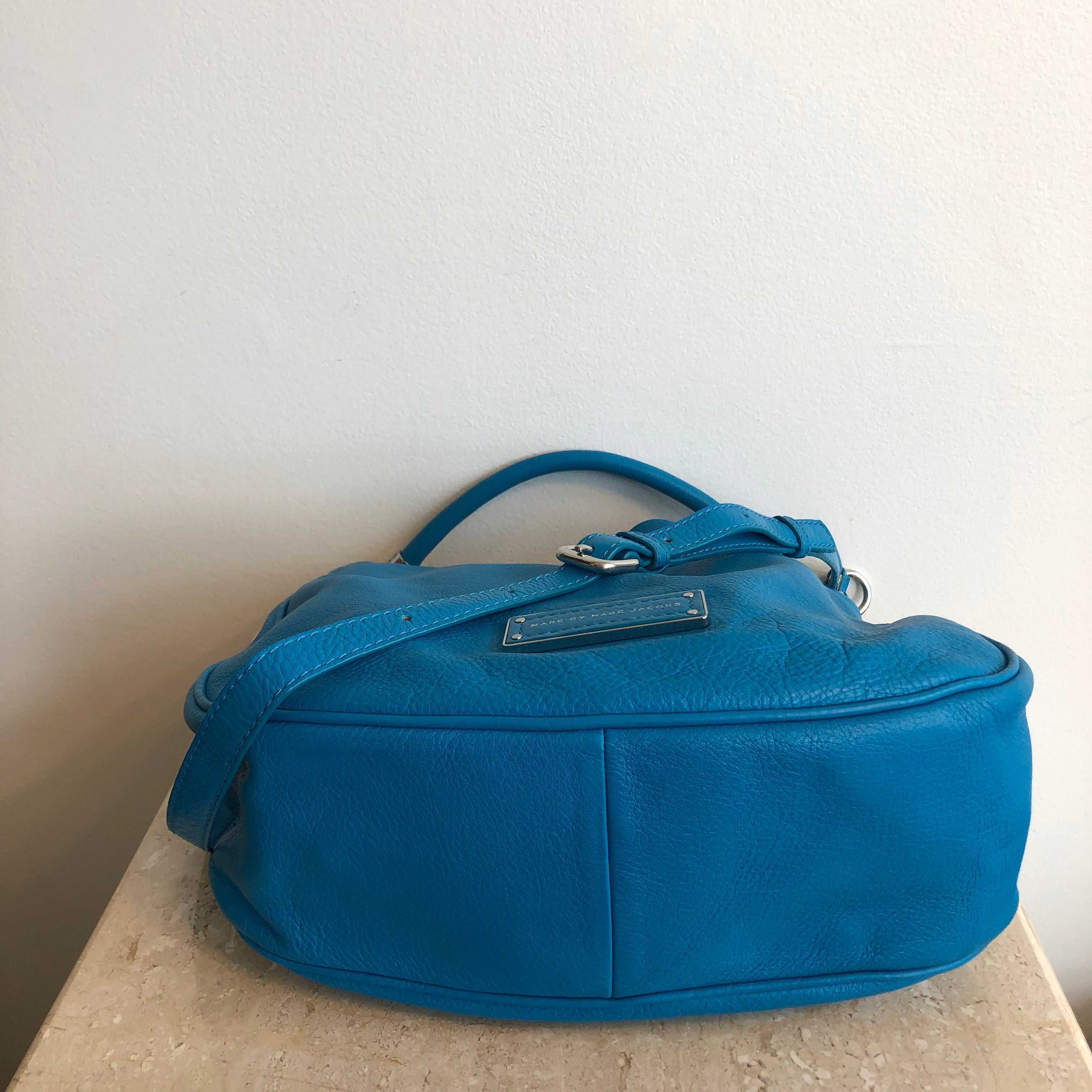 Authentic MARC BY MARC JACOBS Turquoise Leather Crossbody