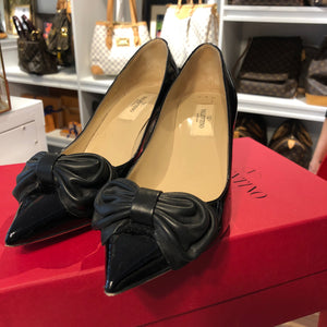 Authentic VALENTINO Patent Bow Size 7.5