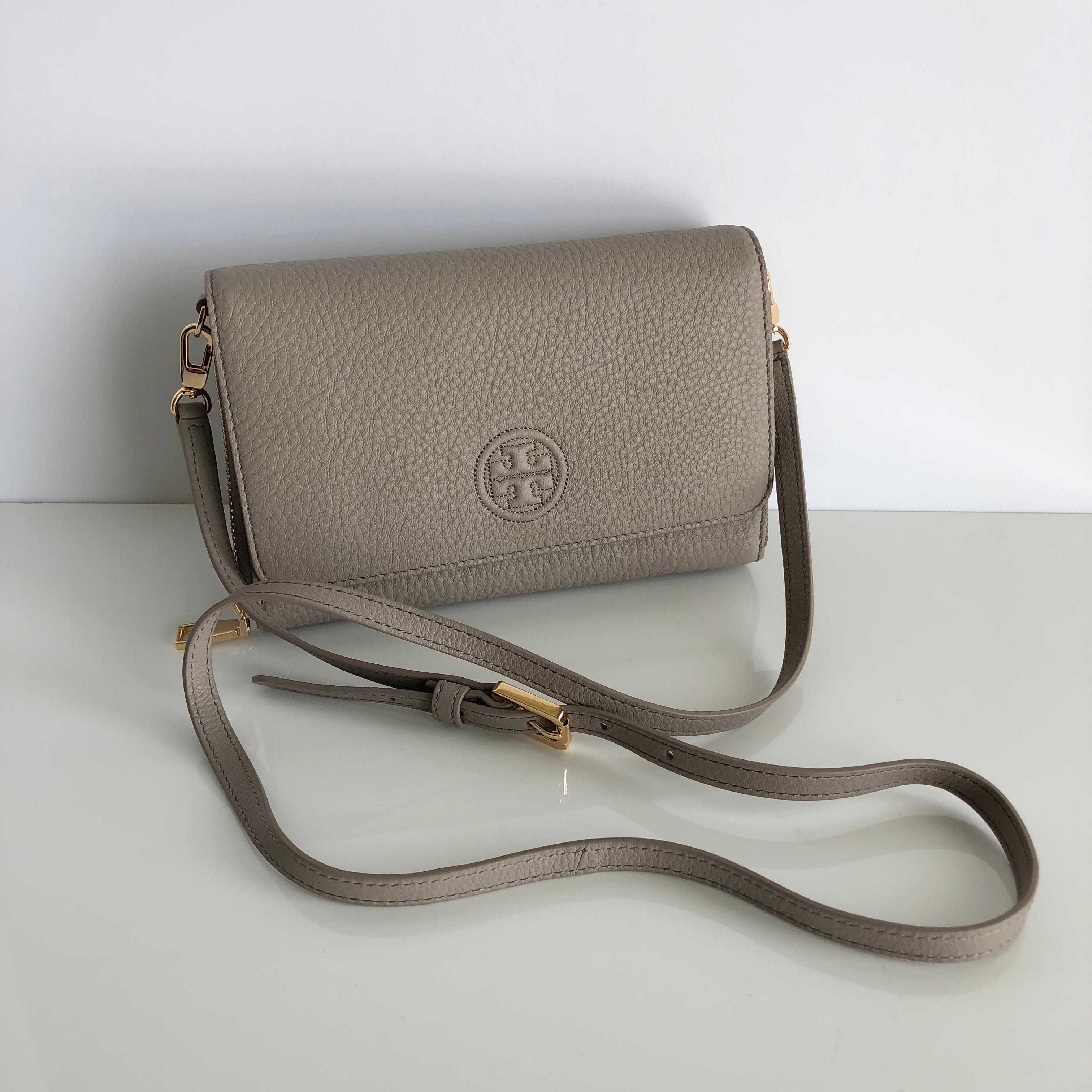 Authentic TORY BURCH Bombe Flat Wallet Crossbody
