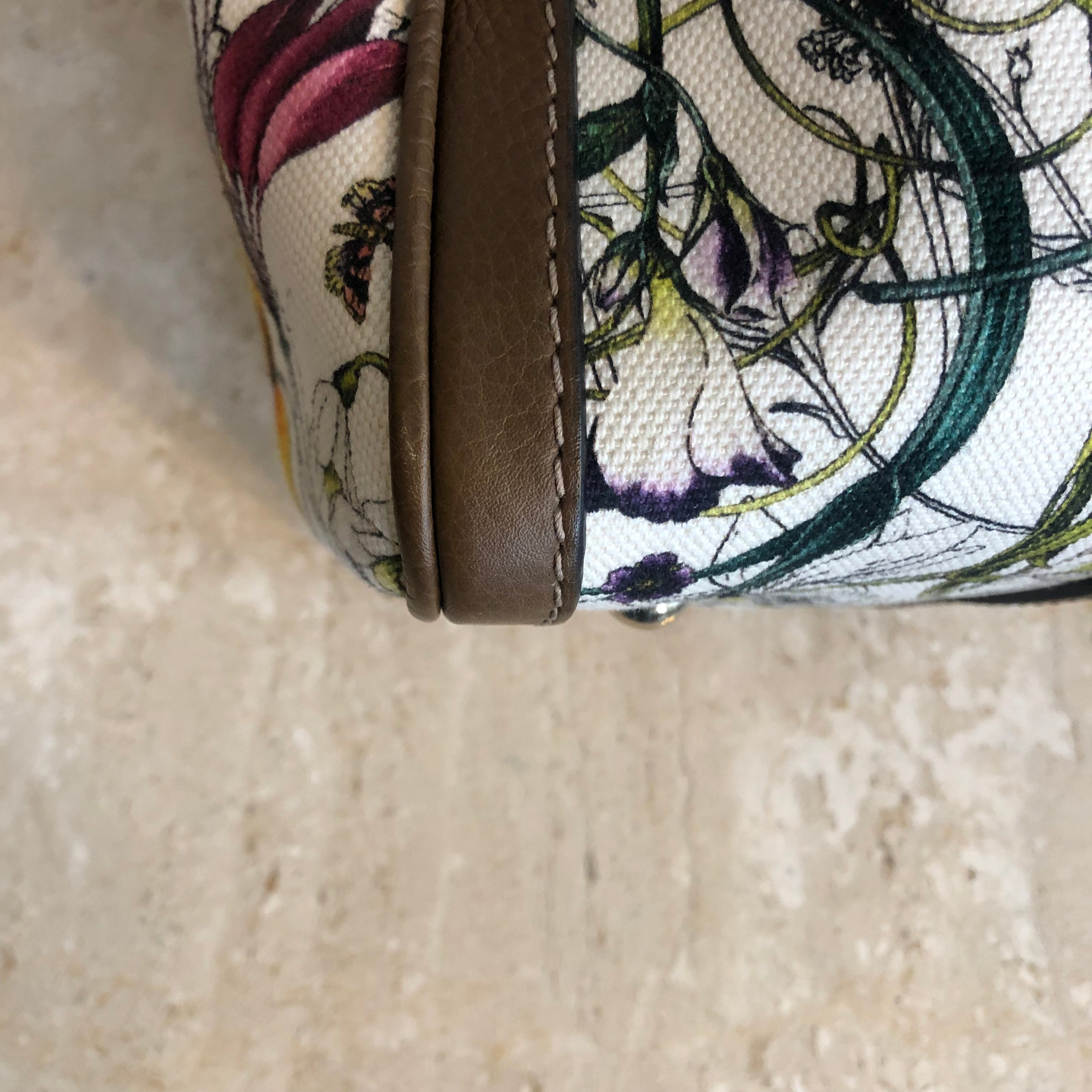 Authentic GUCCI White Infinity Flora Print Canvas Medium Boston Bag
