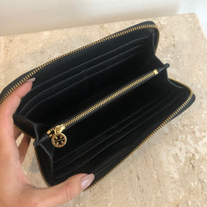 Authentic TORY BURCH Black Continental Wallet