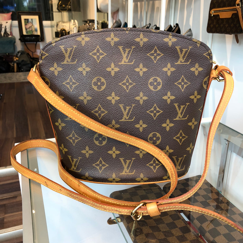 909e7e632086 Authentic LOUIS VUITTON Monogram Small crossbody
