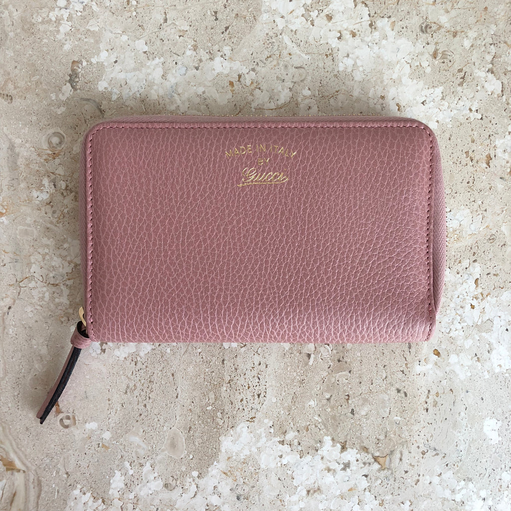 35fdaafaf98c5d Authentic GUCCI Swing Wallet Light Pink Leather