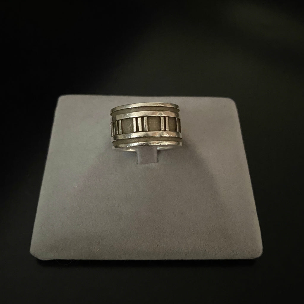 Authentic TIFFANY & CO. Vintage Altas Ring