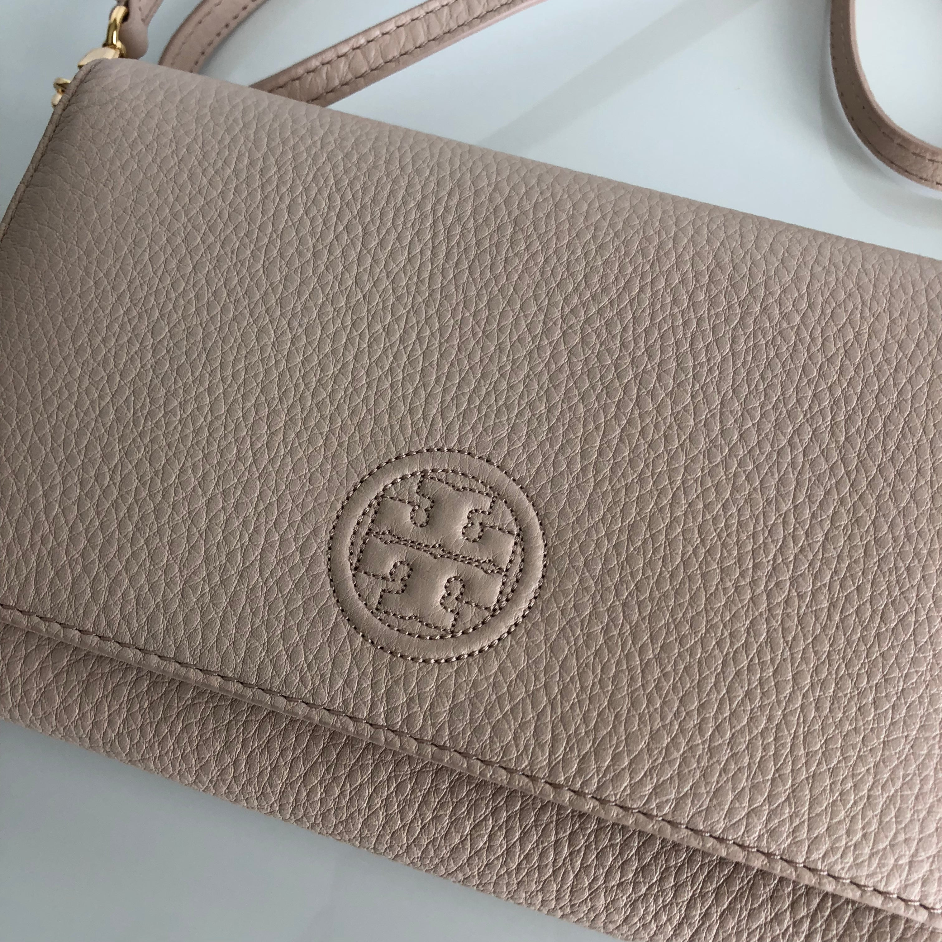 Authentic TORY BURCH Bombe Wallet Crossbody