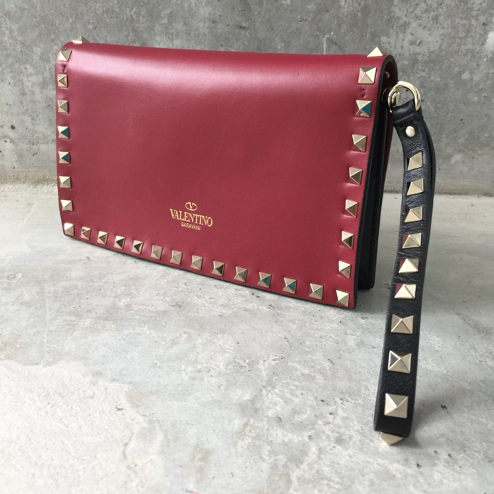 Authentic VALENTINO Rockstud Small Clutch