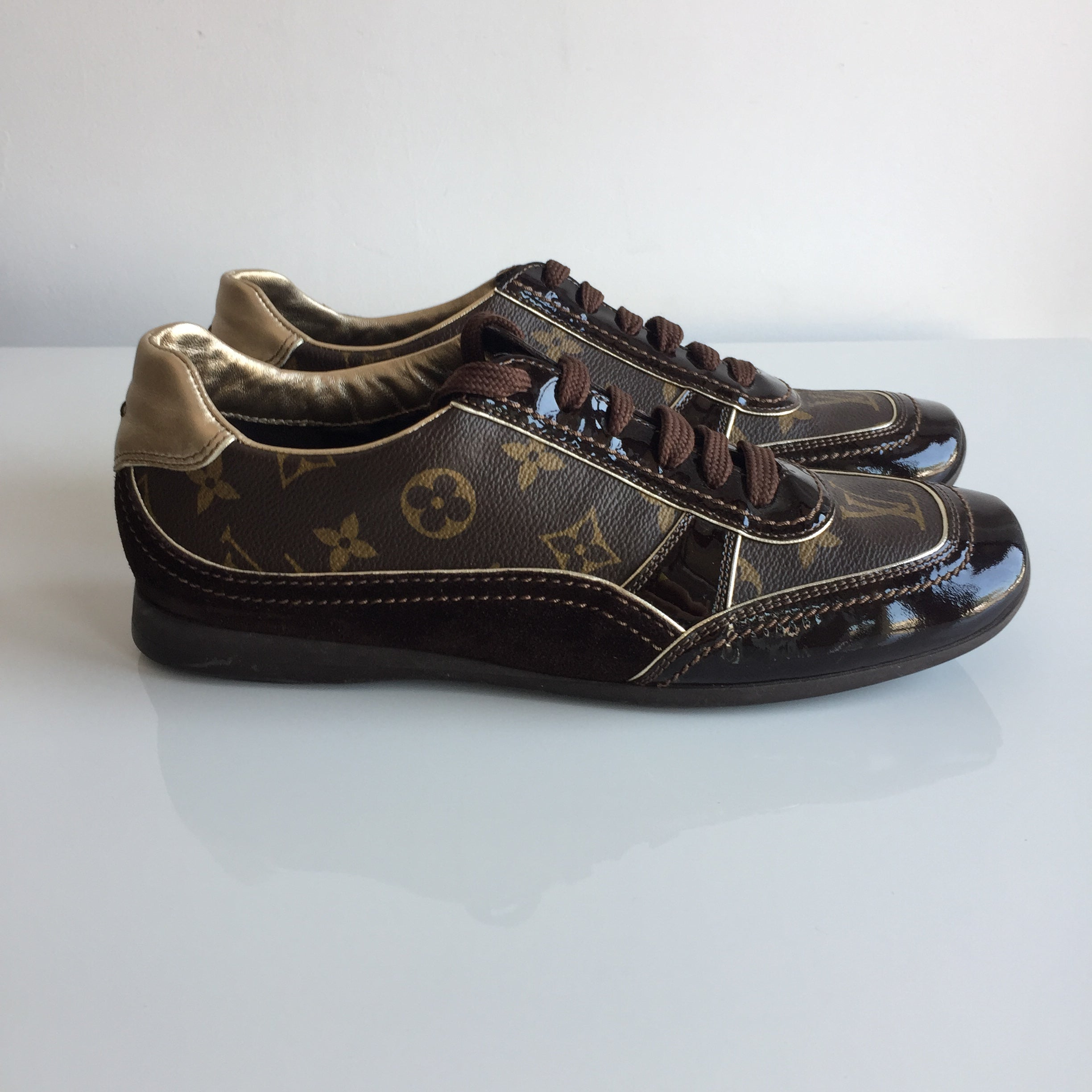 Authentic LOUIS VUITTON Monogram Sneakers Size 7.5