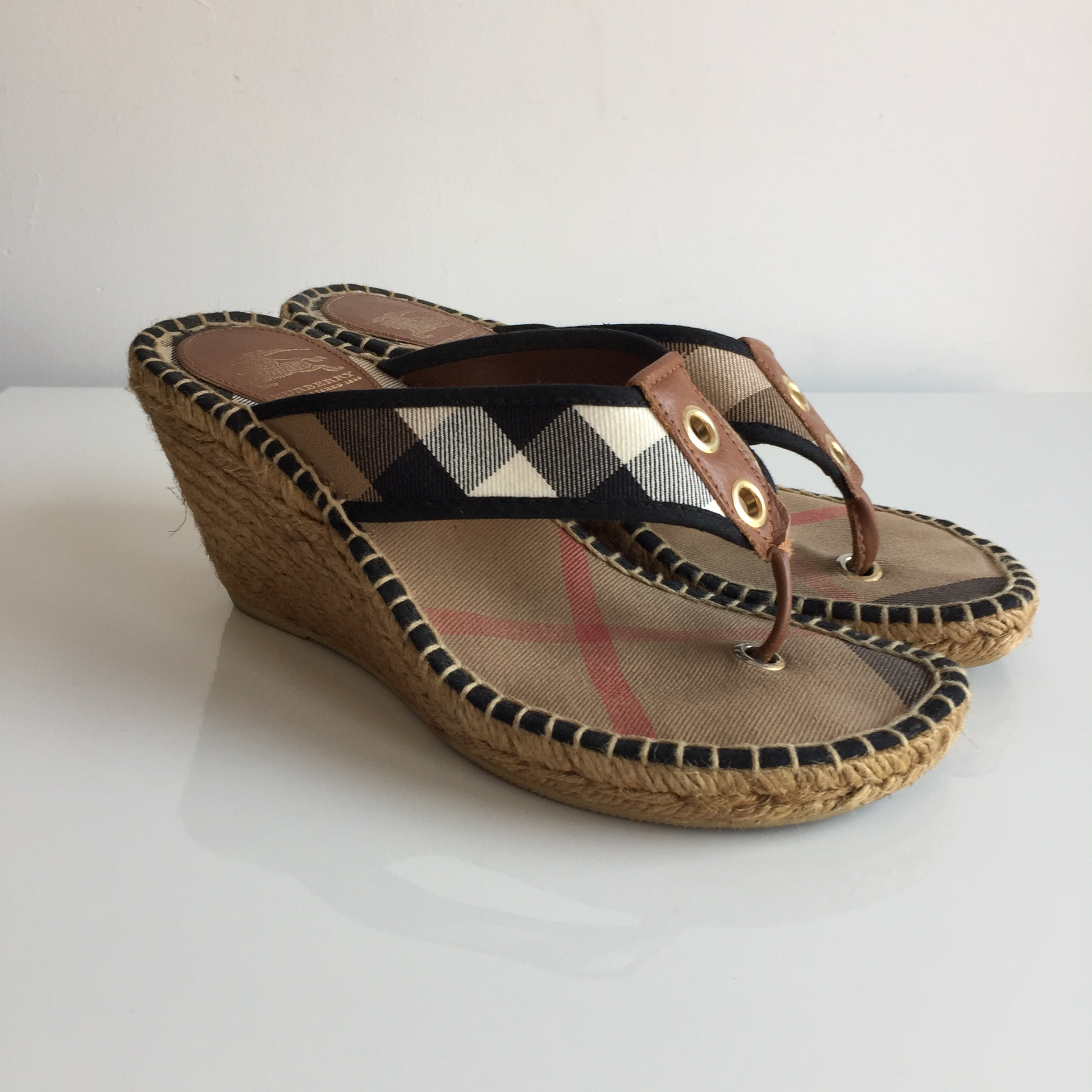 Authentic BURBERRY Thong Espadrilles Size 9