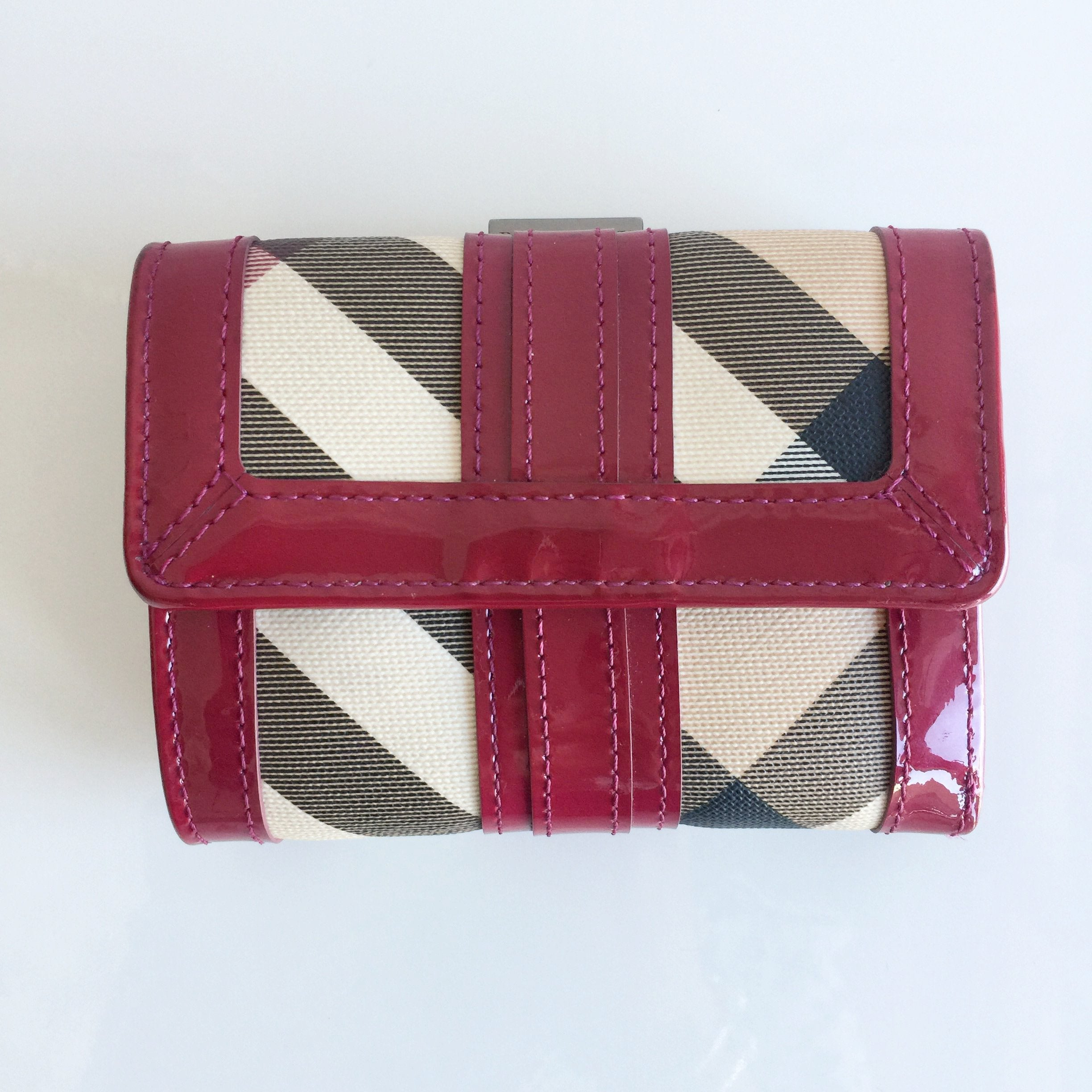 Authentic BURBERRY Novacheck Compact Wallet