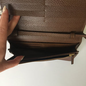 Authentic GUCCI Swing Leather Wallet With Strap